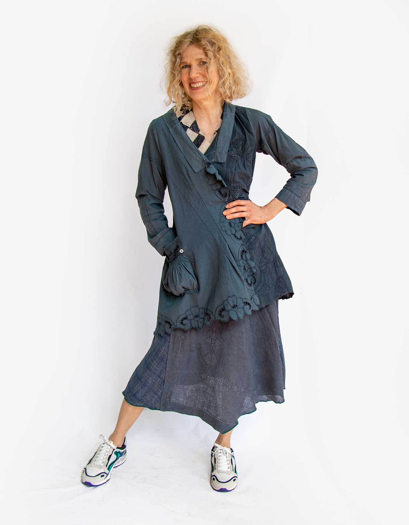 Kleider von Ewa Kuich Karotop aus Baumwolle Patchwork und Rock Upcycling Altes + Neues Leinen blau